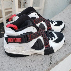 Nike Air Raid Basketball Sneakers
